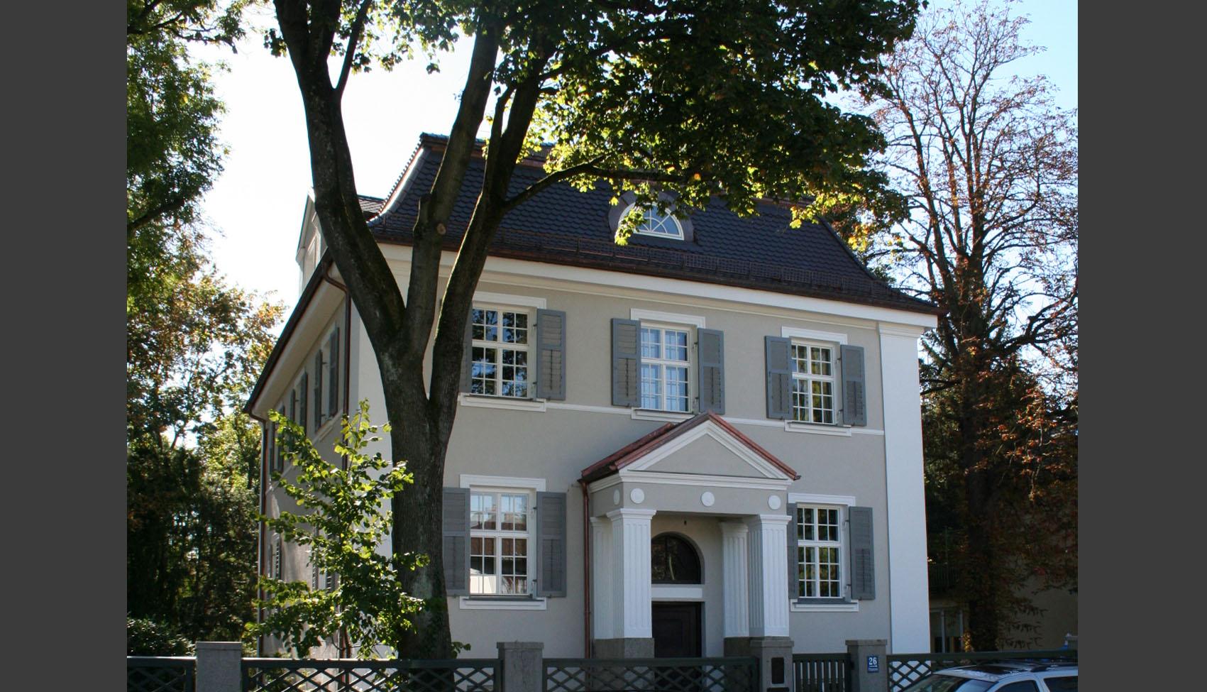 Generalsanierung einer denkmalgeschützten Villa, München